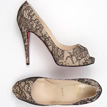 lace-shoes