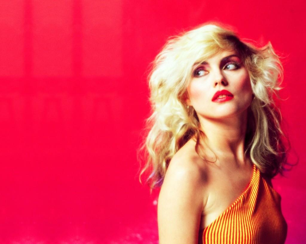 blondes-women_00348444
