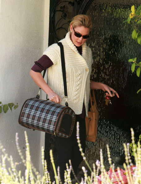 Katherine+Heigl+Dog+Carriers+Dog+Carrier+Duffle+-C9F_xe3fgdl