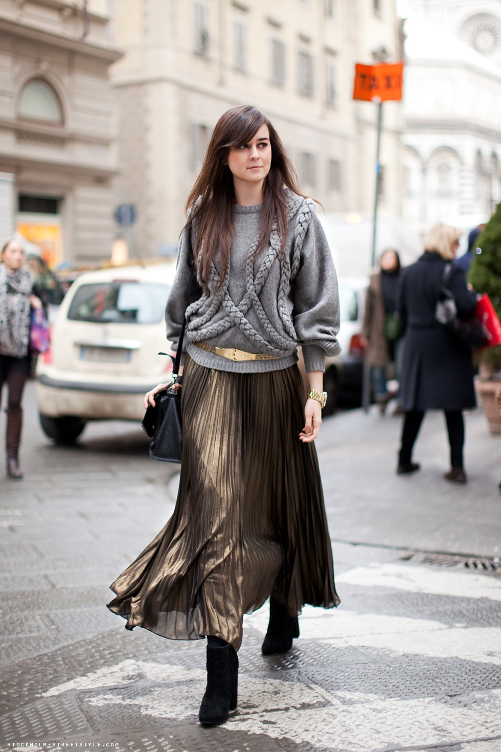 how to style a maxi skirt for fall