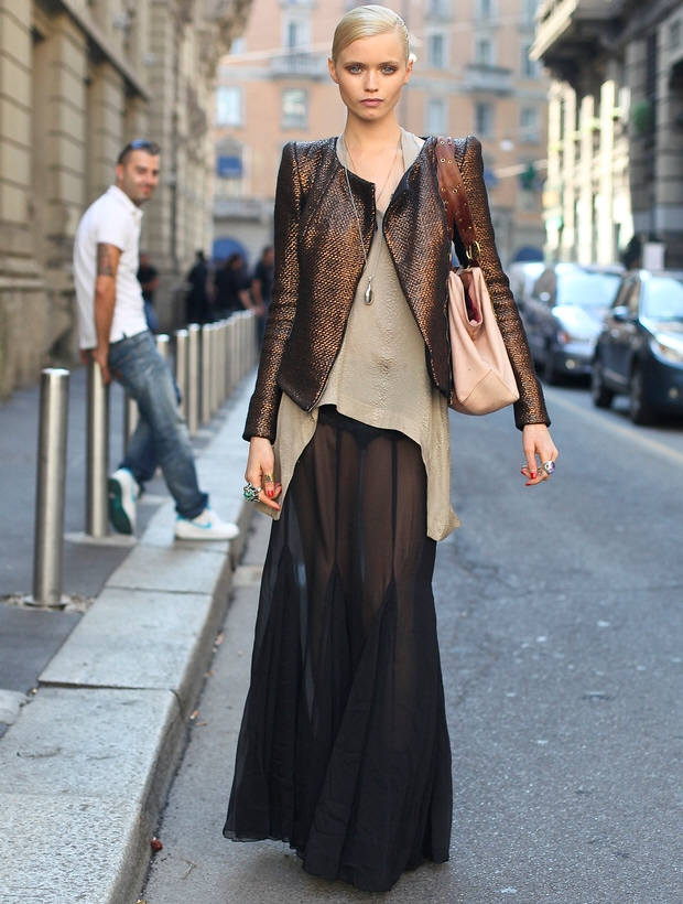 how to style a maxi skirt for fall messiah