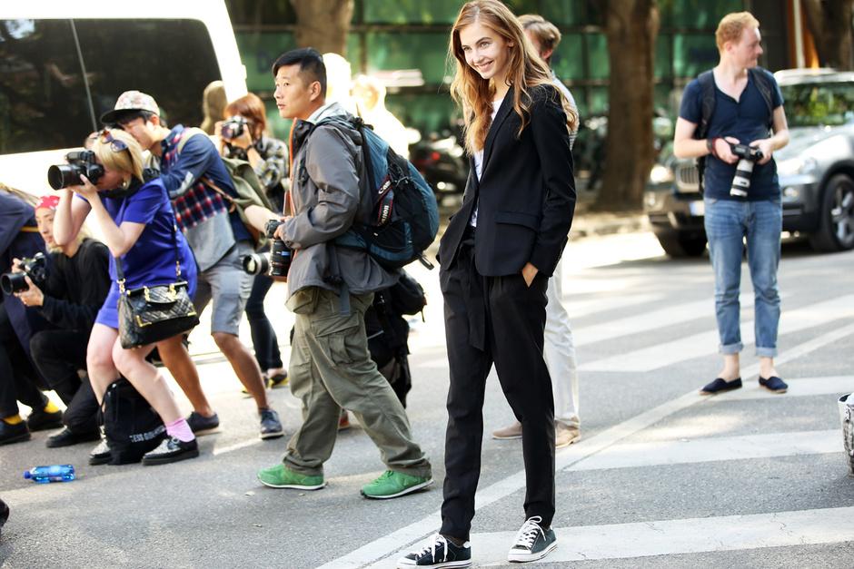 la-modella-mafia-Spring-2013-model-street-style-suit-grazia.it_