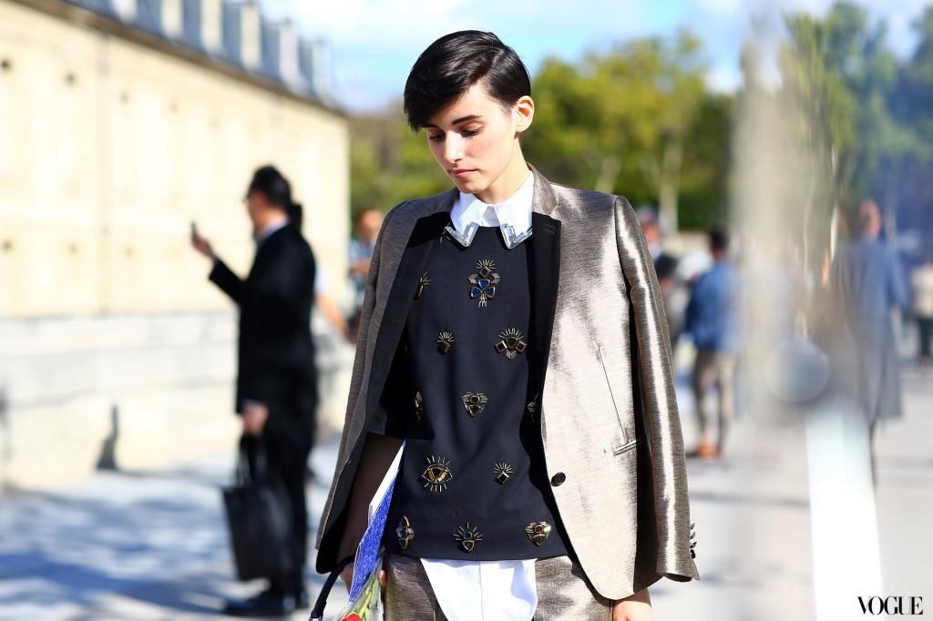 paris_streetstyle_ss13_anne_catherine_frey_metallic_suit