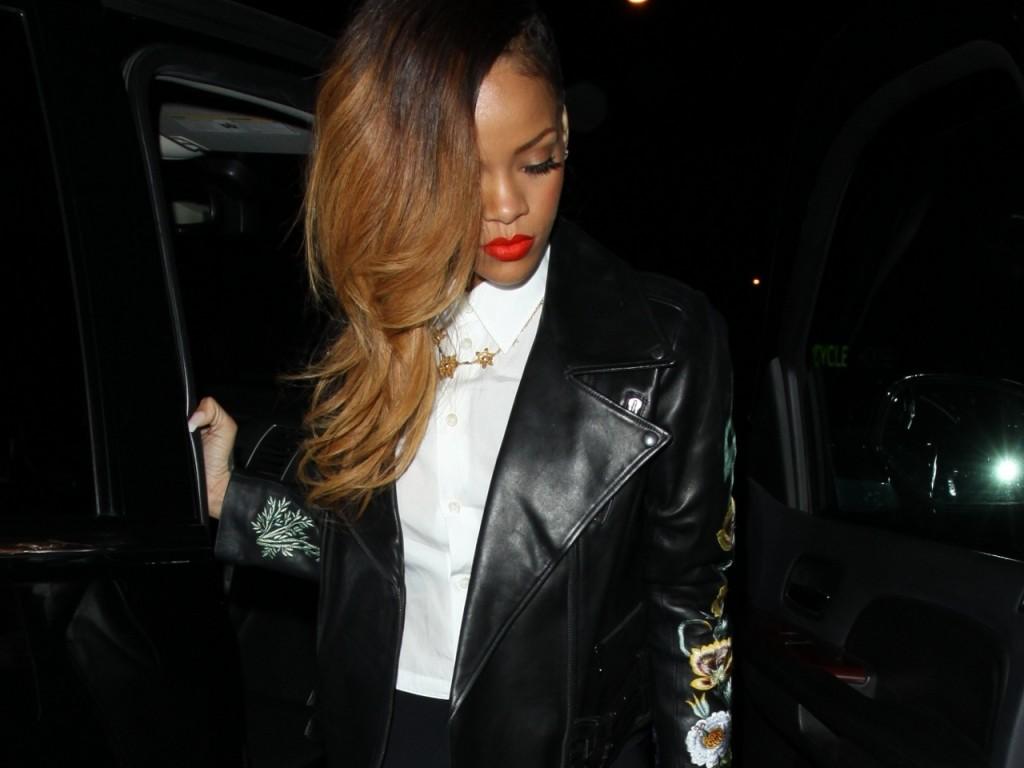 Rihanna-new-hair-color-rihanna-33385950-1280-960