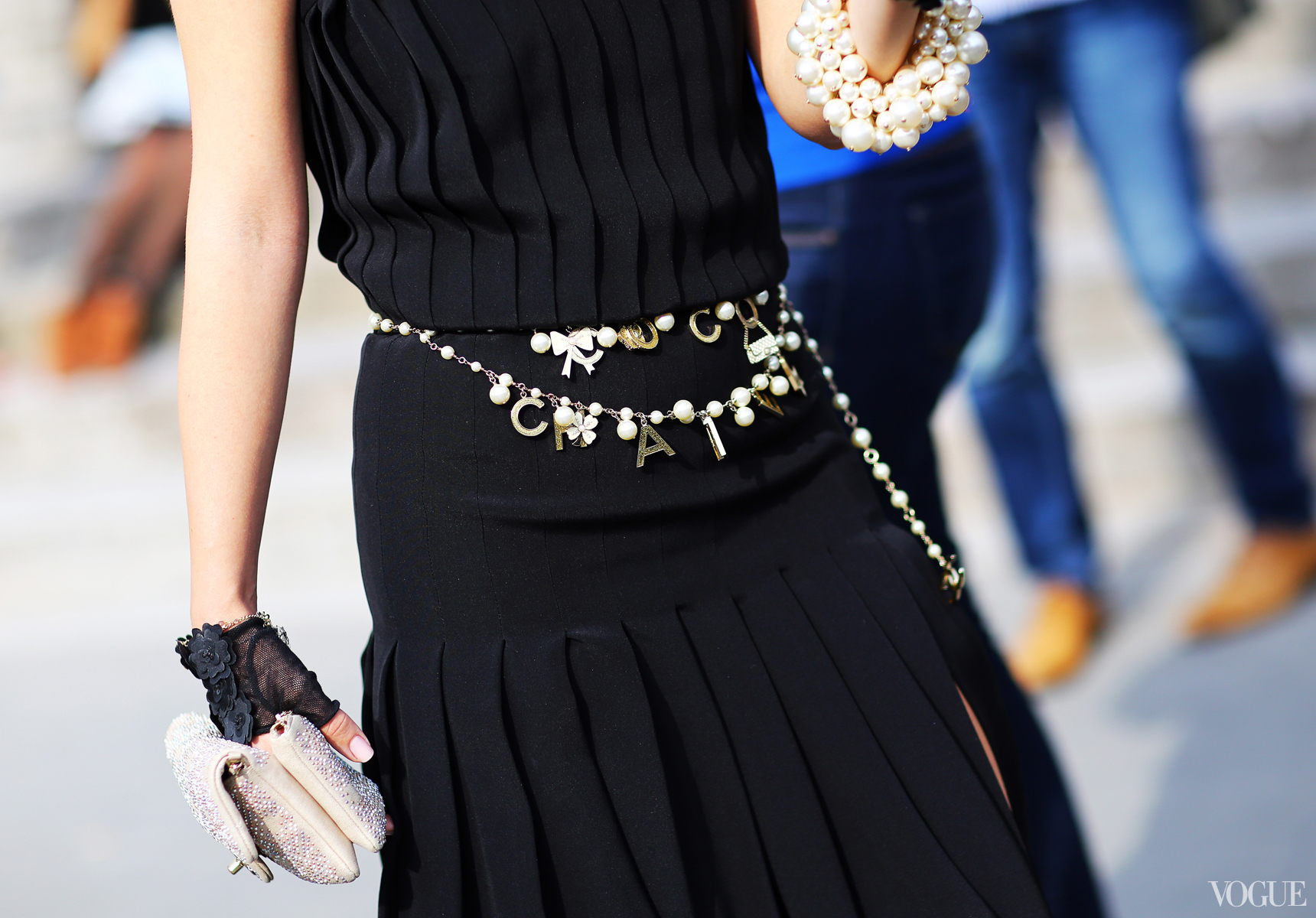 Couture-Street-style-coco-chanel-black-belt-fashion
