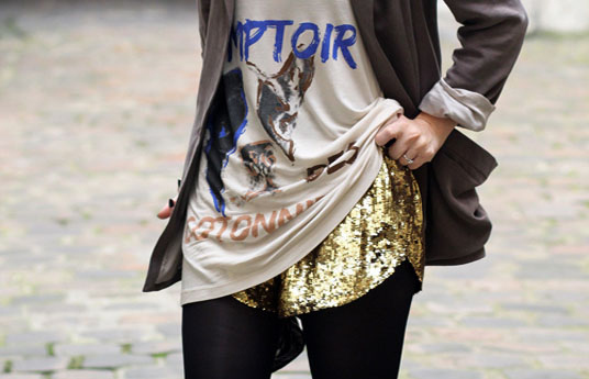 fashiolista-fashion-girl-gold-sequin-streetstyle-favim-com-98940