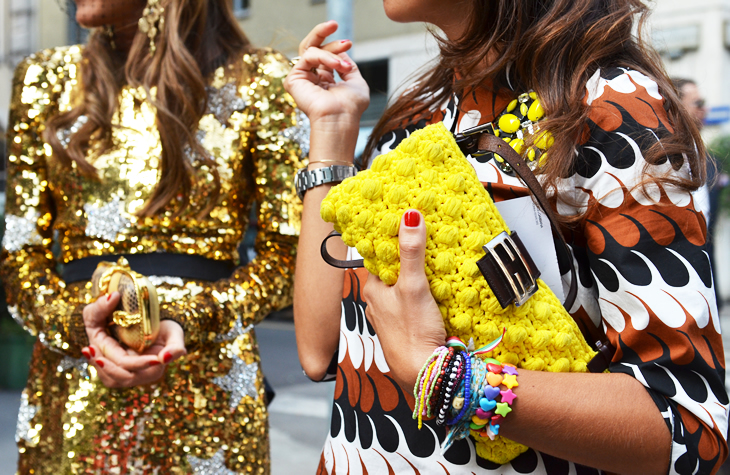 street-style-summer-arm-party-plastic-friendship-bracelets-sequins-fashion3