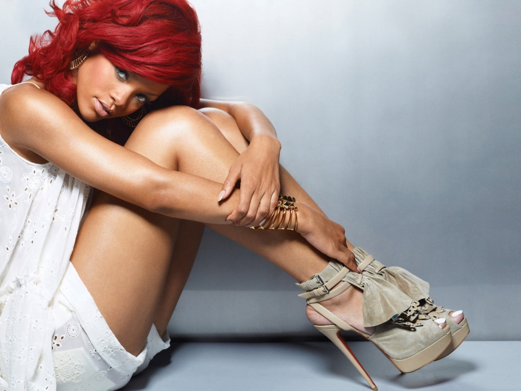 Rihanna-Great-Legs