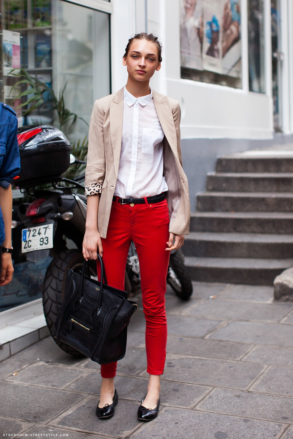 She styled her red pants with a gray blazer, gray top, and black shoes. Since then, Red Pants have grown in popularity as bloggers from Los Angeles, San Diego, and New York have discovered them. Red Pants are generally seen in casual, chic, and comfortable style.