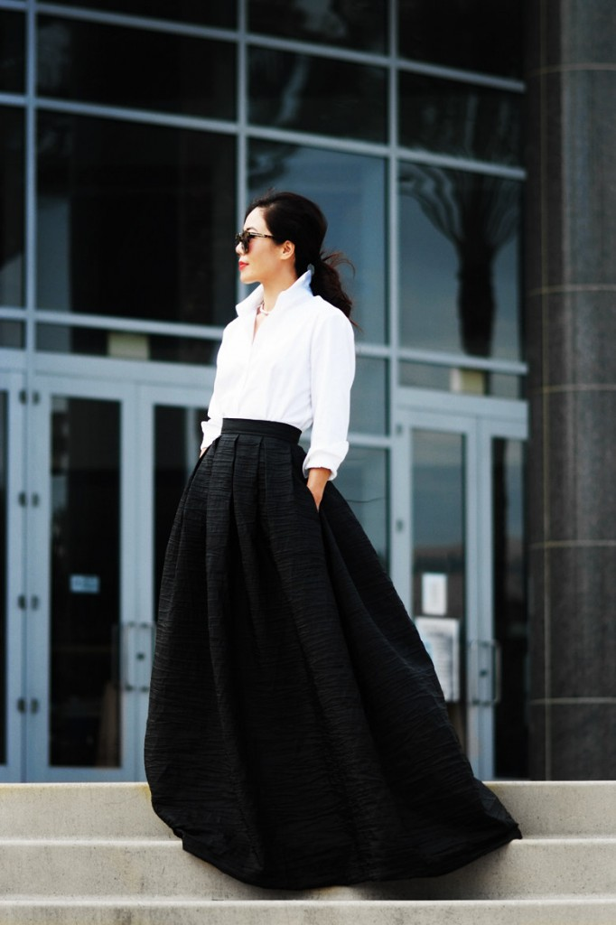 HallieDaily-Black-and-White-in-a-Maxi-Gown_3