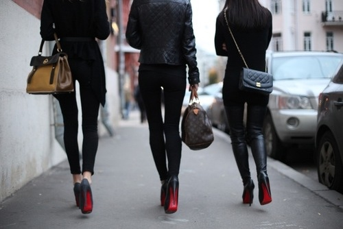 la-modella-mafia-Model-Off-Duty-Street-Style-Christian-Louboutin-heels-and-Chanel