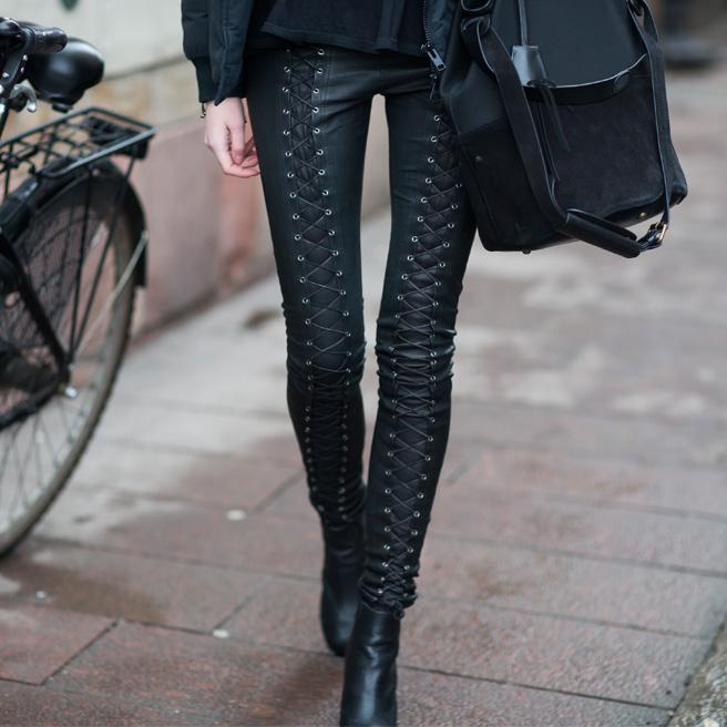 la-modella-mafia-Street-Style-chic-dark-fashion-leather-pants