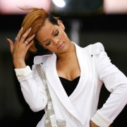 rihanna-mit-under-cut