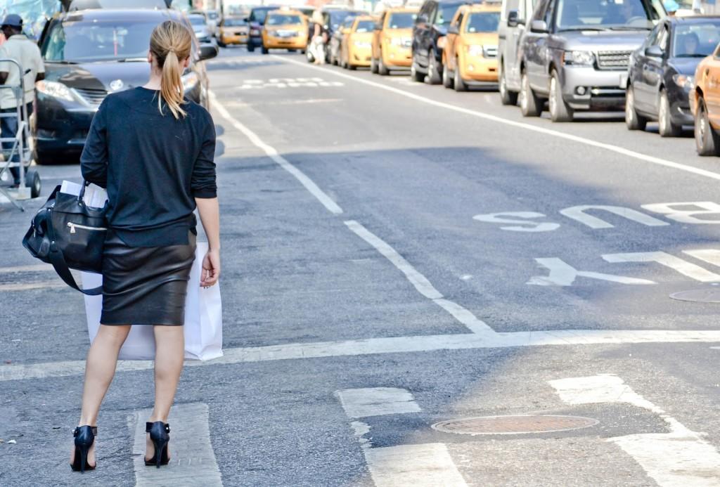 street-style-leather-skirt-black-top-black-heels
