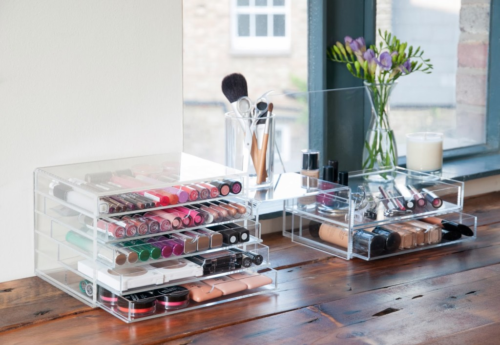 7 Creative Ways to Store Your Cosmetics  3589c178d7c
