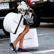 Shopping-Bags-Street-Style