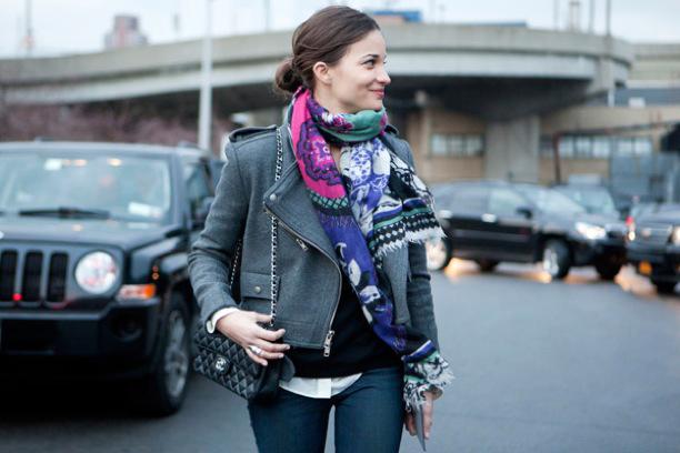 la-modella-mafia-Models-Off-Duty-Street-Style-Fall-2012-Scarves-1