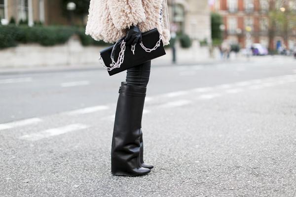 la-modella-mafia-model-off-duty-street-style-Winter-2012-2013-Givenchy-boots