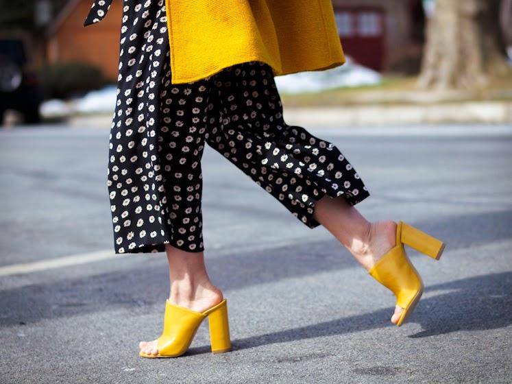 yellow mules street style