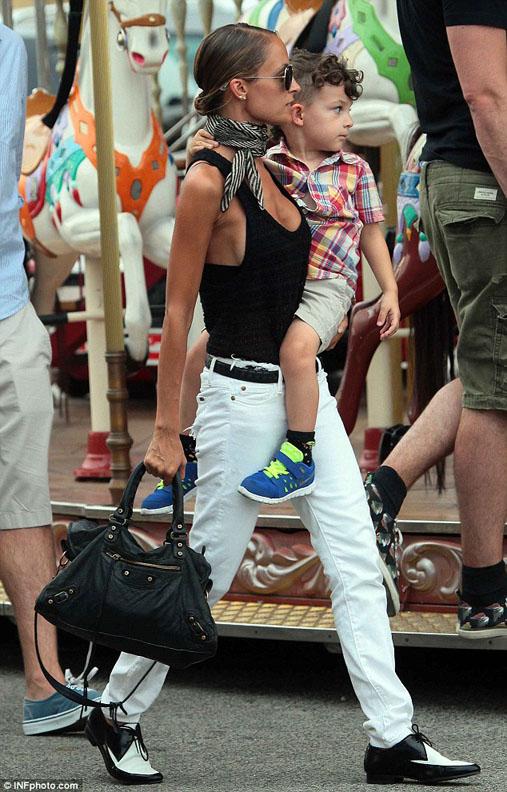 10 Ways to Wear White Jeans Lauren Messiah