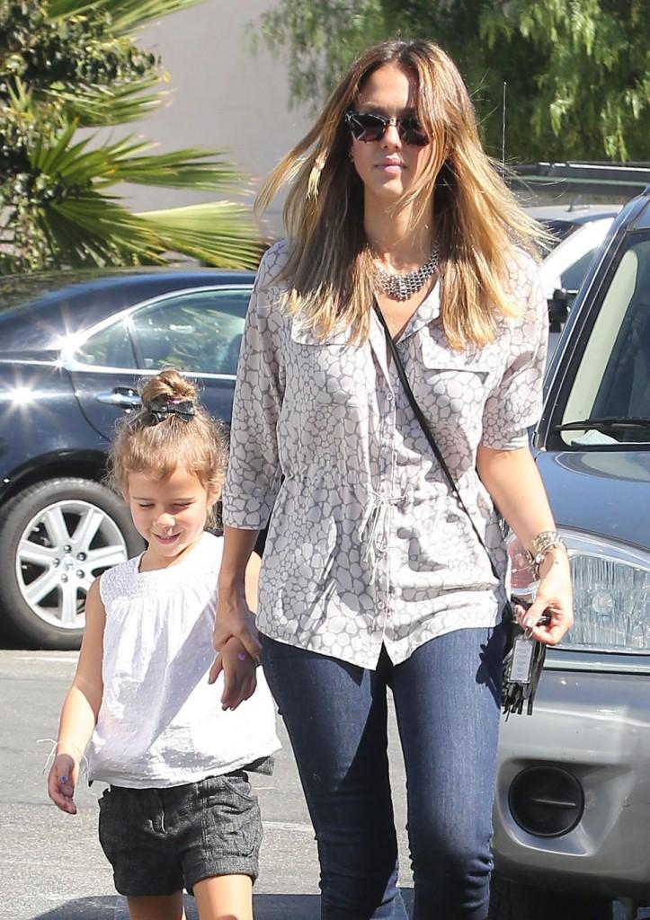 Jessica Alba Is A Busy Mom