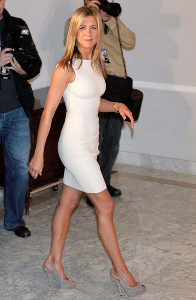 White-Mini-Dress-of-Jennifer-Aniston