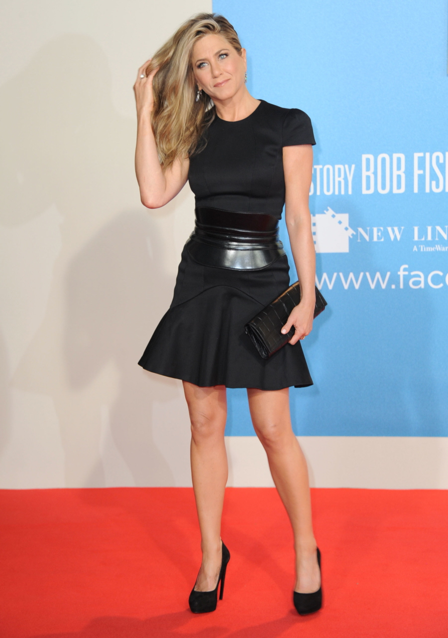 Style Profile Jennifer Aniston Lauren Messiah