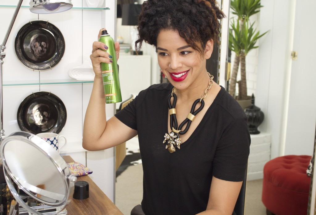 Hair How-To: Frizz-Free Curls