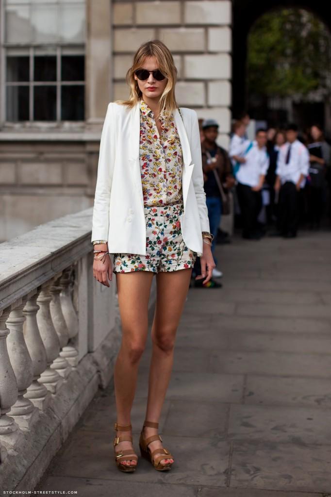 white blazer street style
