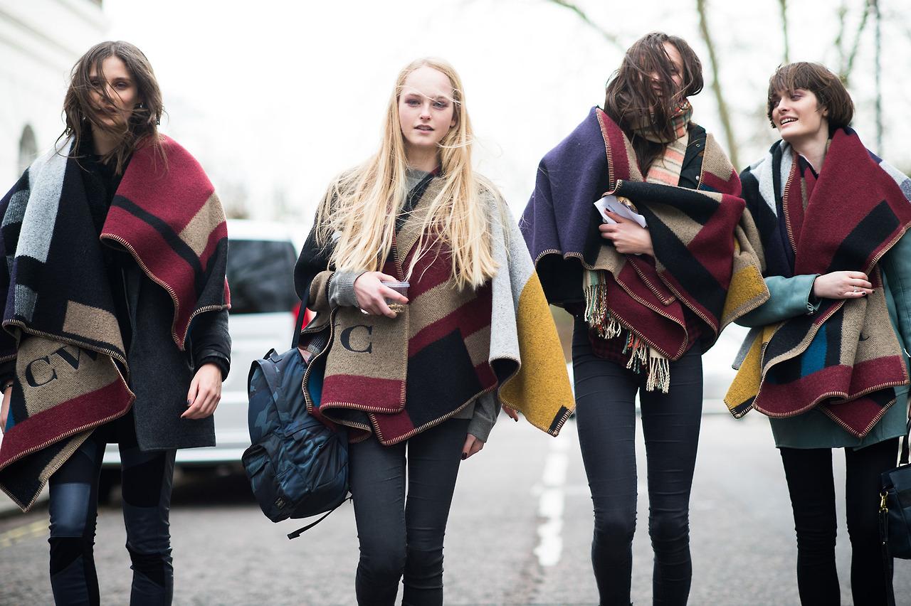 10 Ways To Wear A Poncho Lauren Messiah