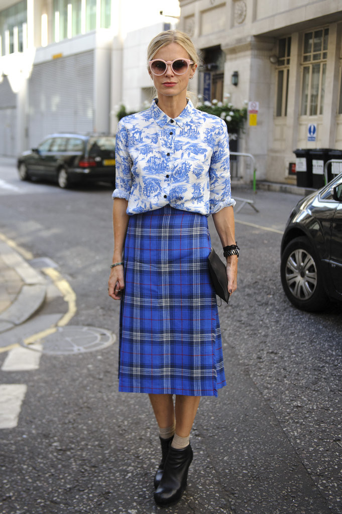 Laura-Bailey-master-mixed-prints-her-floral-button-up