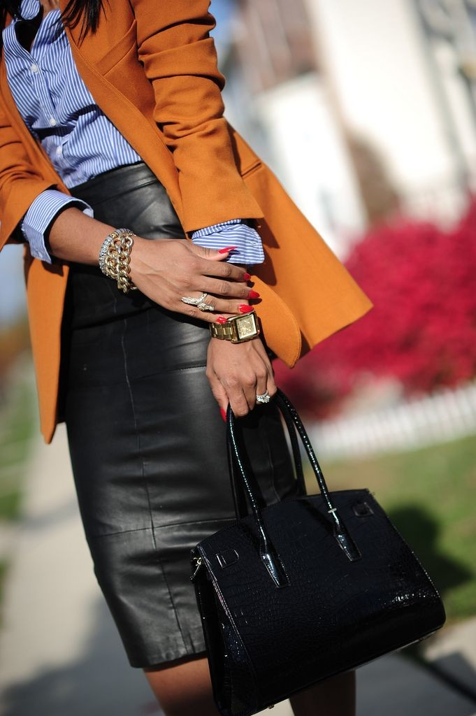 leather-skirt-office-look