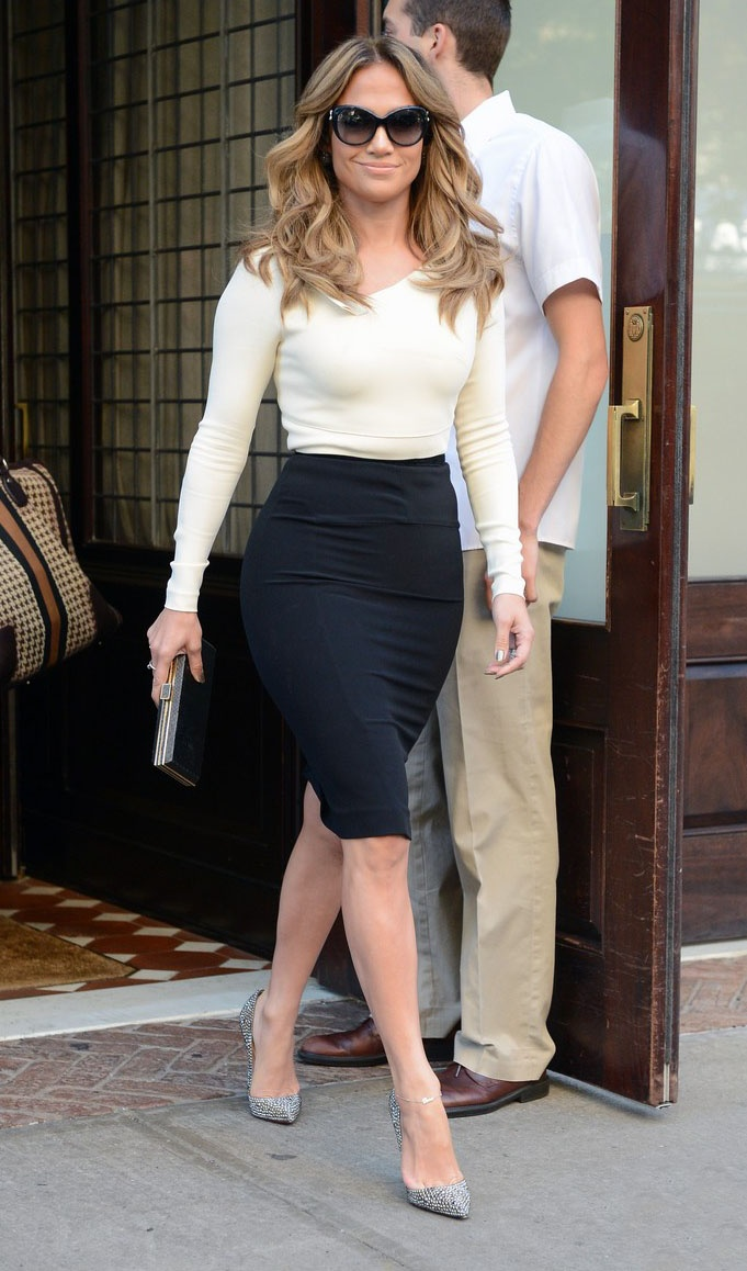 How to properly dress wider hips lauren messiah Jennifer lopez fashion style 2014